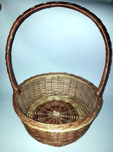 Плетеная корзина для букетов