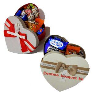 Коробка со сладостями на 8 марта