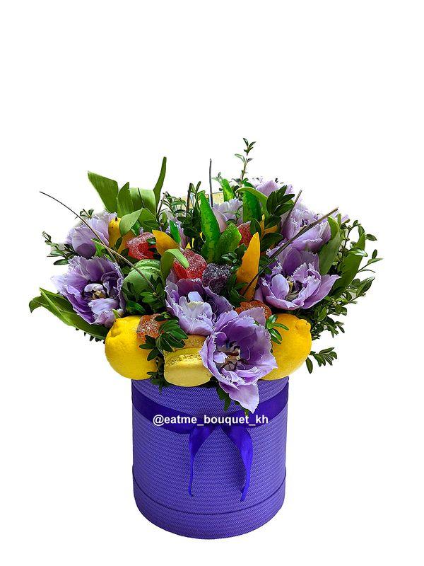 Сладкий букет с тюльпанами