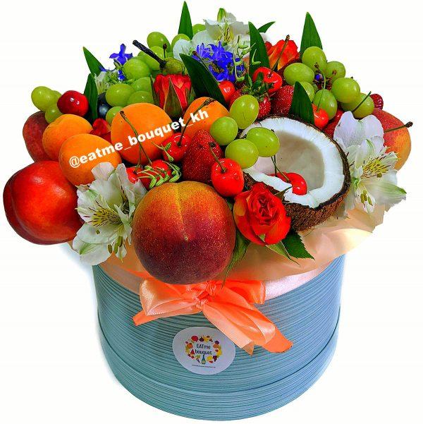 Букет из ягод и фруктов в Харькове