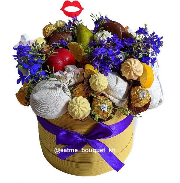 Букет из сладостей и цветов в Харькове