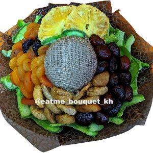 Букет-комплимент из сухофруктов и орехов