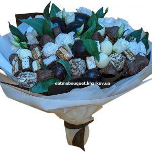 Нежный шоколадный букет с эустомой